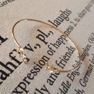 Jewelry - Gold leaf of love bracelet